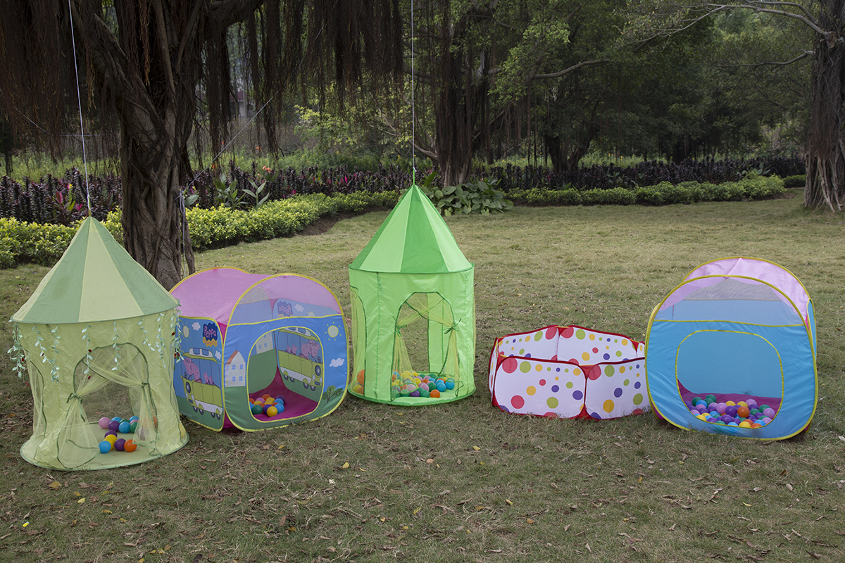 Outdoor Kids Play Tent for Boys Girls Playing House Castle Tent